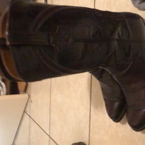 LUCCHESE BLACK CHERRY BOOTS SZ 10